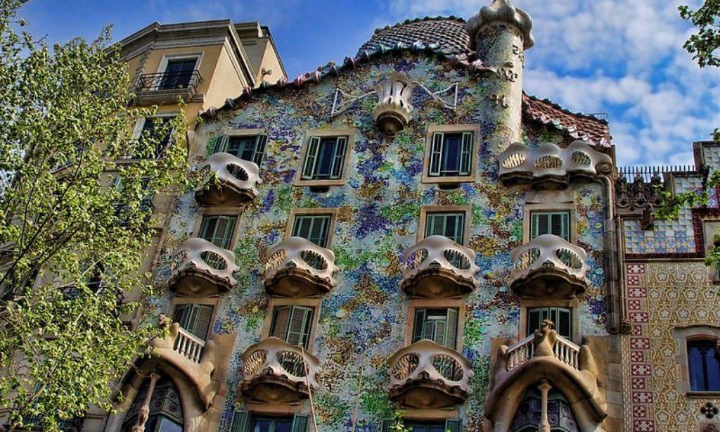 Barcelone Visite De Leglise Santa Maria Del Mar Colline Du Montjouic Visite Commentee De La Fondation Miro Vol Barcelone Paris Et Retour A Maisons